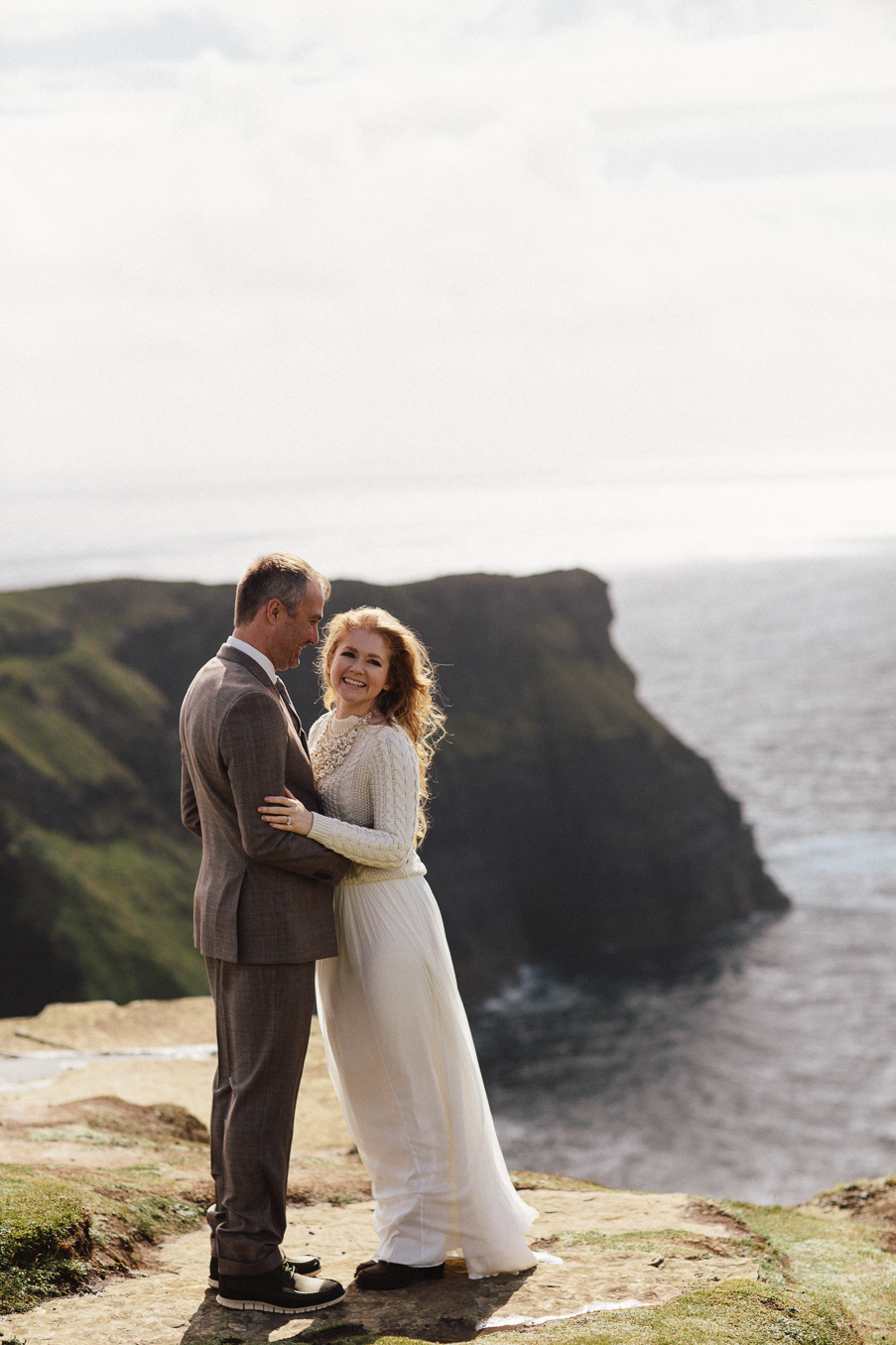 Elopement at the cliffs of moher