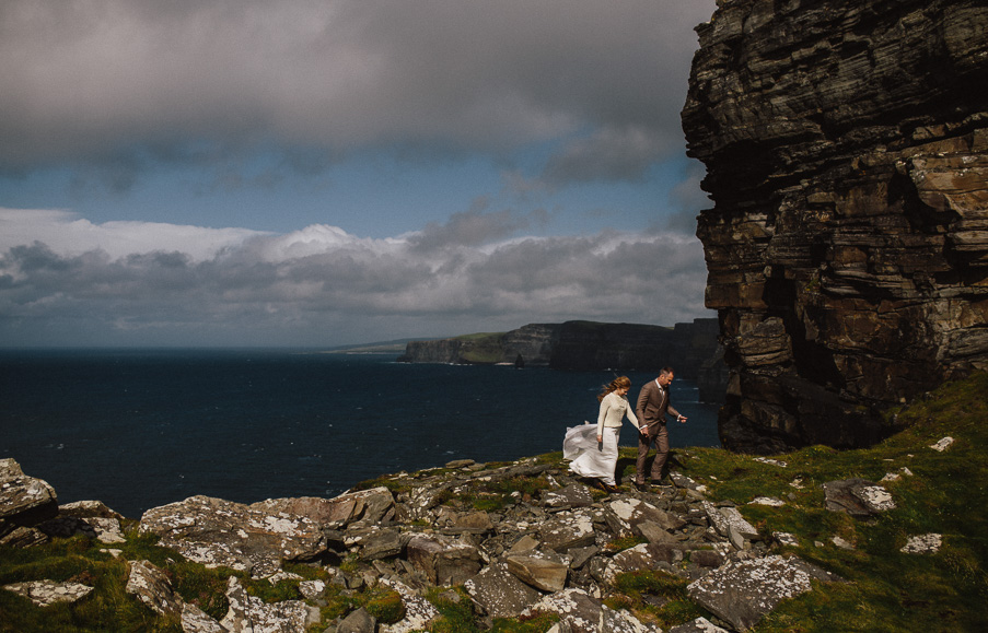 wedding at the cliffs of moher