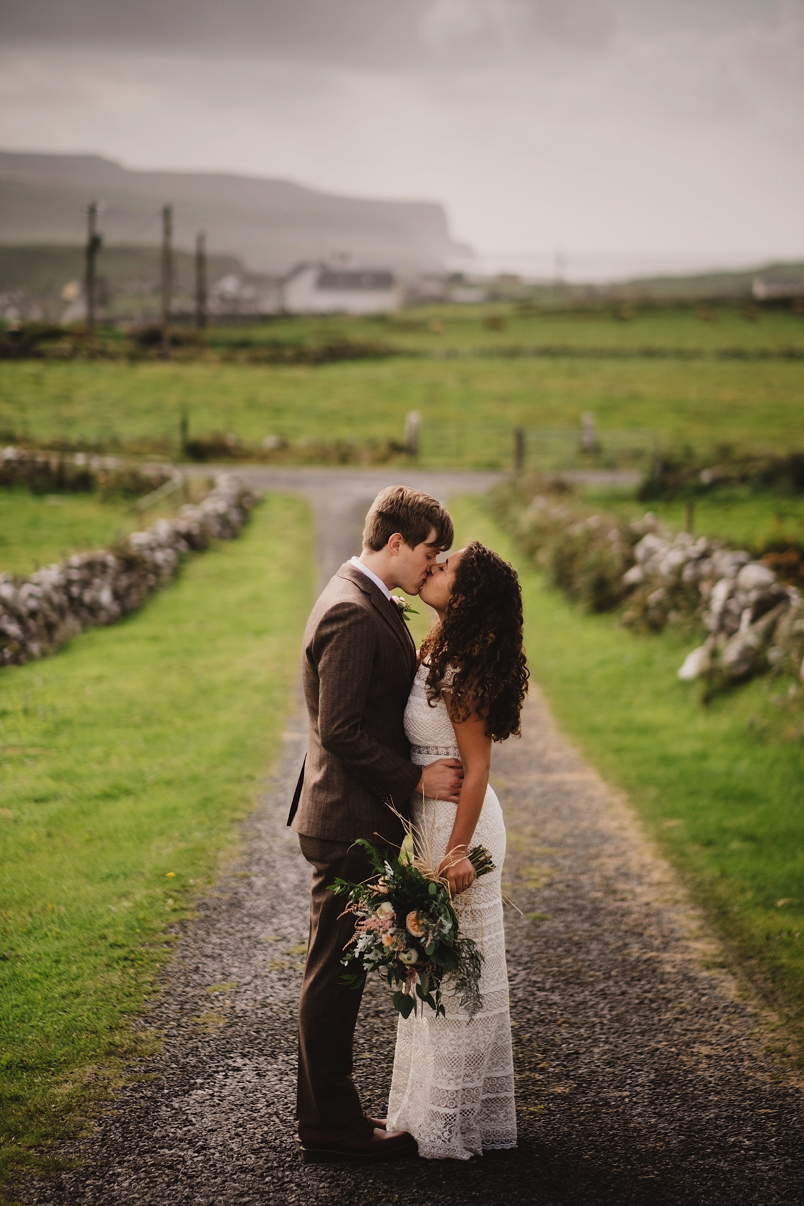 Elopement_Wedding_Ireland_Cliffs_of_moher0026