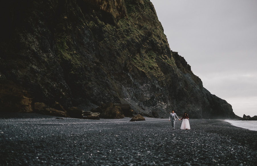 025_black_sand_beach_wedding