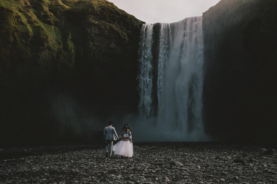034_icelandic_iceland_waterfall